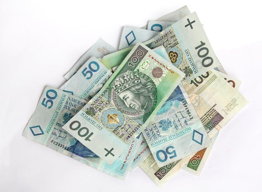 Resort finansów zachęca: rozlicz PIT ze skarbówką