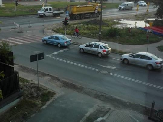 Wyjazd z Powstańców Warszawy na Okulickiego zablokowany.